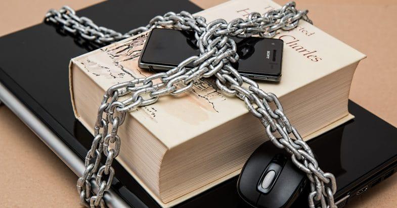 תמונת נושא עבור: חיפוש לא חוקי בטלפונים ניידים משליך על השיקולים למתן צו חיפוש בהמשך